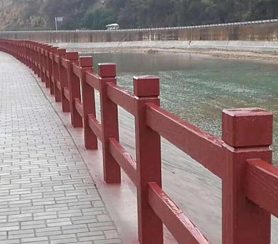 水泥仿木护栏上色